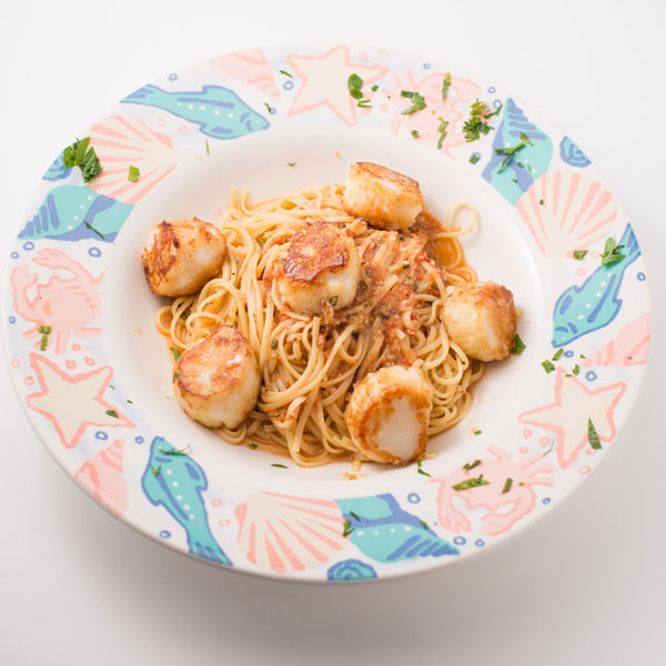 Pan Roasted Scallops & Linguine in a red sauce